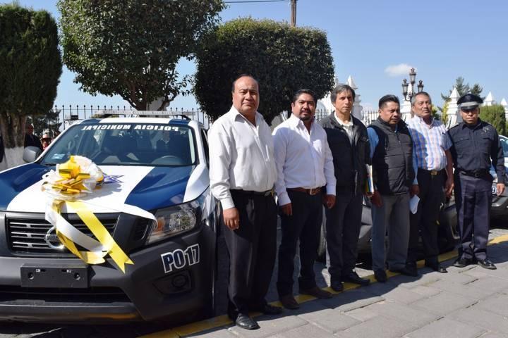 Entrega Eymard Grande 3 nuevas patrullas para reforzar la seguridad
