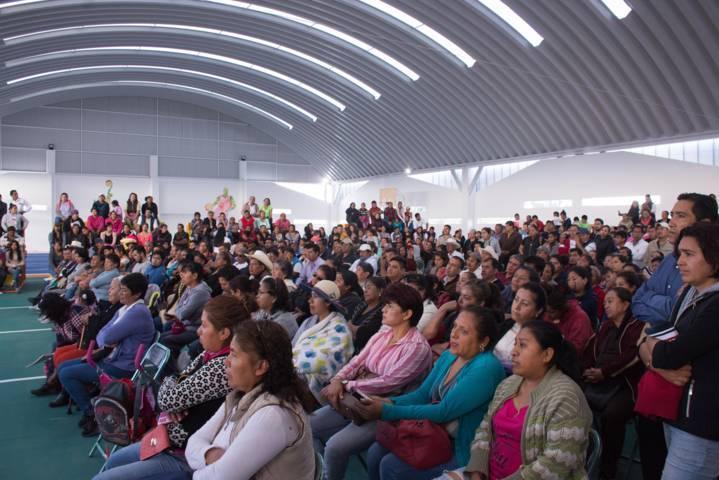 Miguel Ángel Covarrubias se promueve en las comunidades