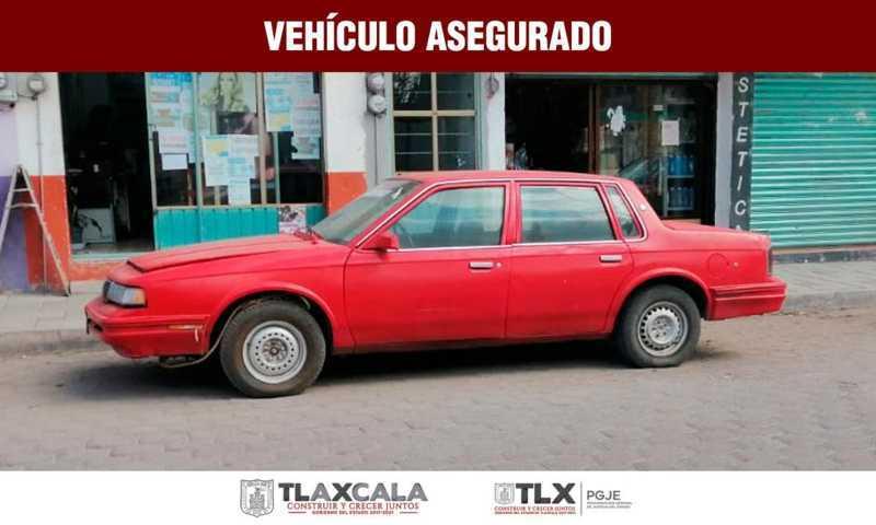 Asegura PGJE vehículo abandonado en Tlaxco