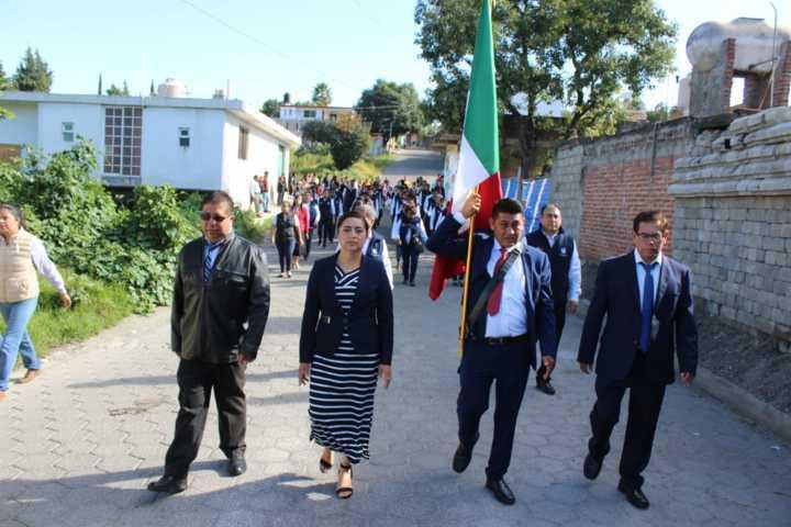 Más de 3 mil personas vieron el desfile alusivo de la Independencia de México