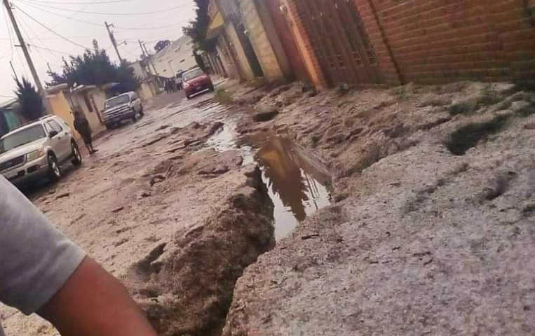 Alcalde de Calpulalpan no apoyó a sus gobernados tras fuerte tromba