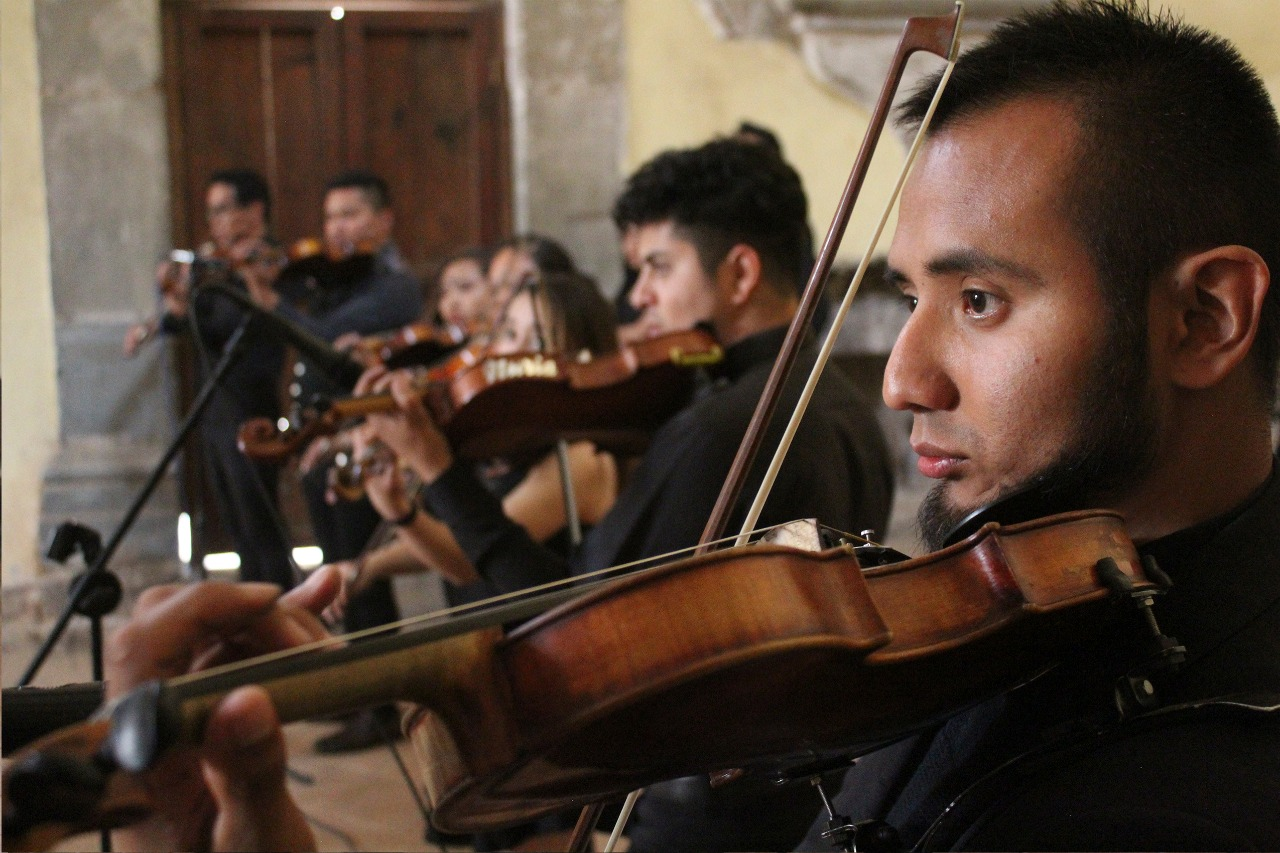 Mariachi sinfonico de San Pablo Del Monte se presenta en CDMX