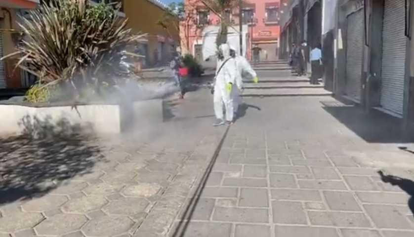 En Huamantla aplican desinfección por termonebulización para evitar el covid