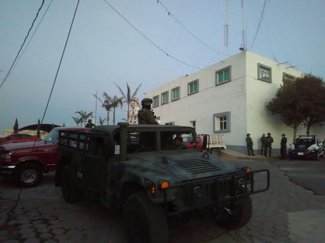 Ejército resguarda instalaciones de la presidencia en Tzompantepec