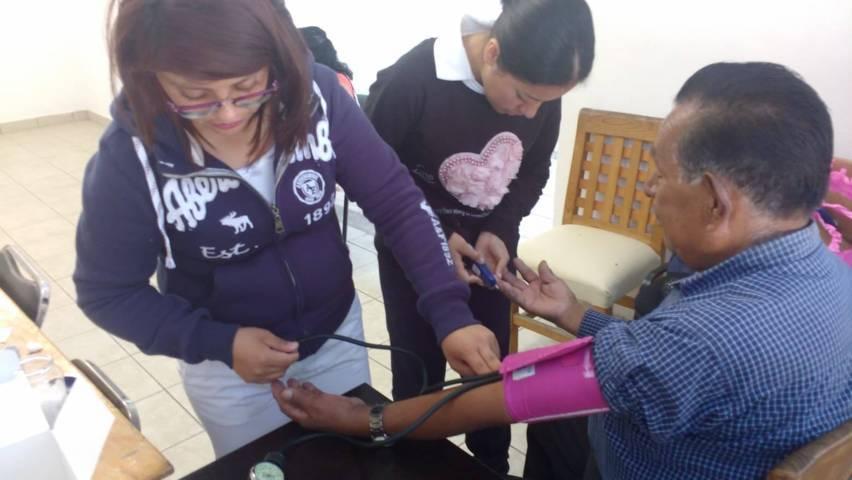 Con platicas motivamos a los abuelitos a que cuiden su salud: EJC