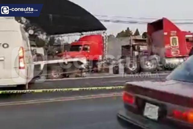 Una persona pierde la vida en choque frontal a la altura de Tetla