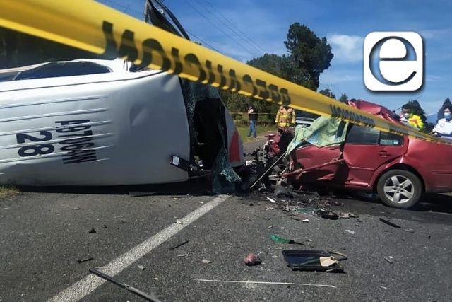 Fuerte choque en Tetla, hay un muerto y diez heridos