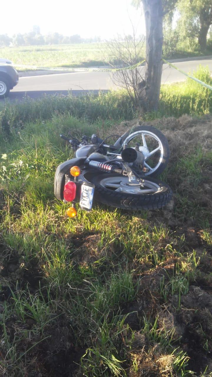 Derrape de moto deja una persona muerta en Nativitas