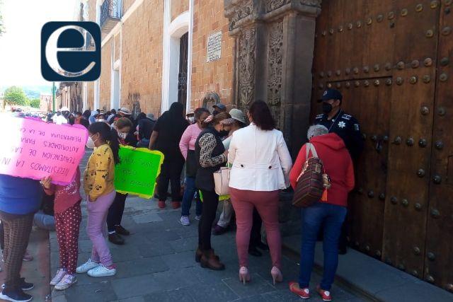 Pobladores de Xicohtzinco exigen reapertura de la carretera Tlaxcala-Puebla