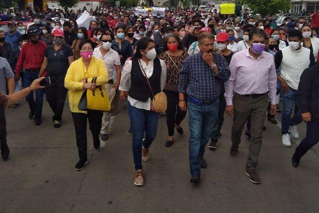 Ciudadanos de Apizaco marchan en contra del mal gobierno y la imposición