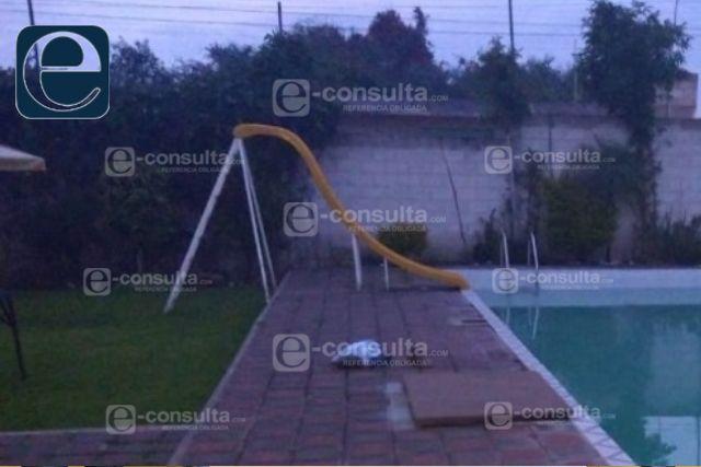 Sujeto ebrio muere ahogado en una alberca de Zacatelco