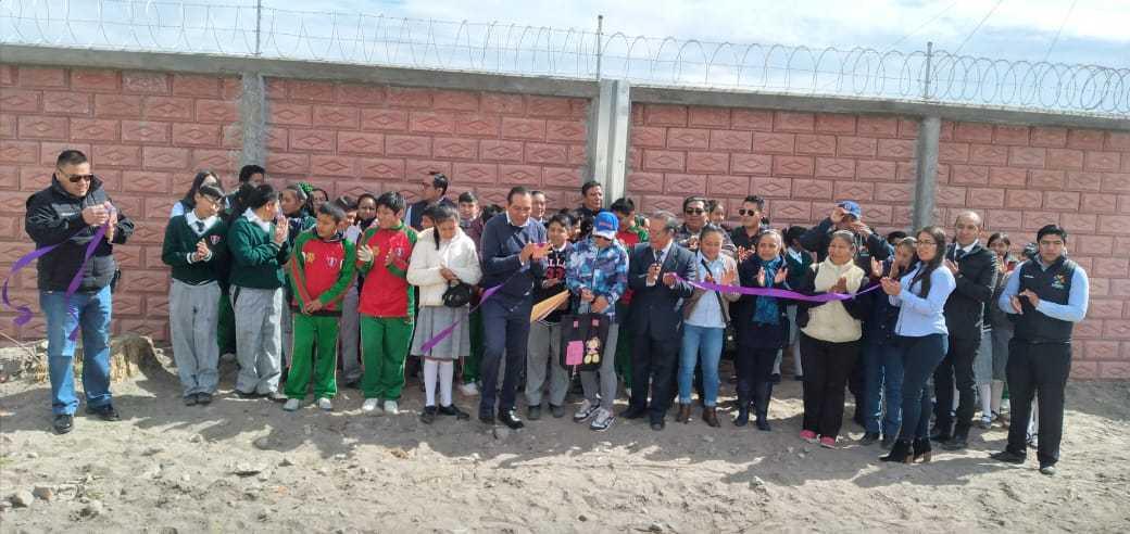 Entrega MACY construcción de barda perimetral en secundaria Lázaro Cárdenas
