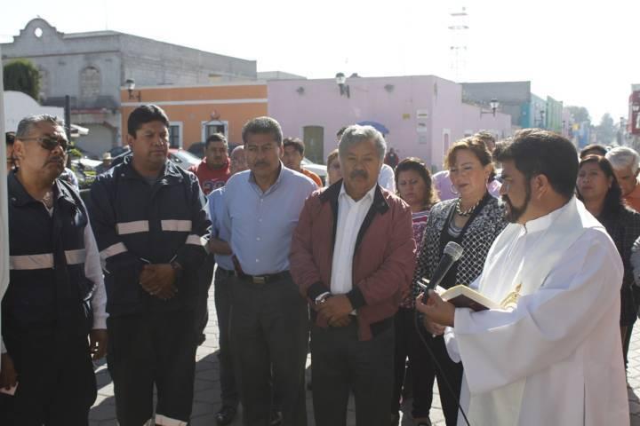 Entregan una nueva ambulancia autoridades de Ixtacuixtla
