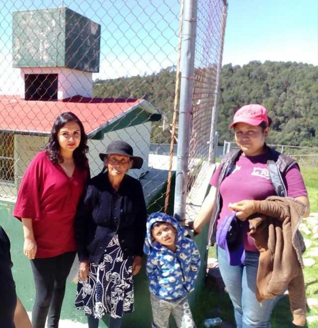 Brito Vázquez de cerca con los adultos mayores de las comunidades mas alejadas