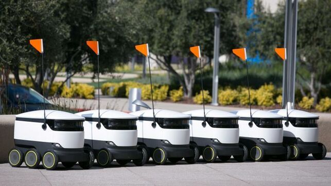 Miles de robots reparten comida a 100 Universidades de EEUU