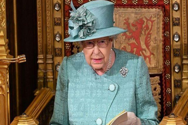 El palacio de Buckingham aclara rumores si la Reina Isabel II tiene Covid-19
