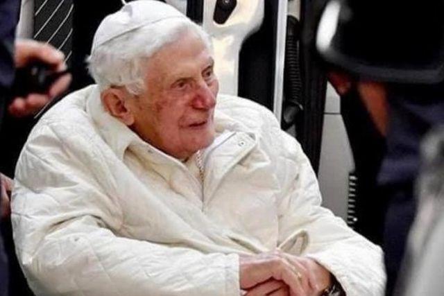 Aseguran que el Papa Benedicto XVI se encuentra en delicado estado de salud