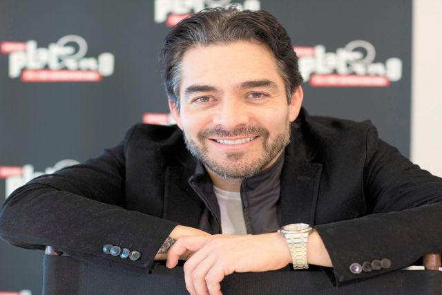 Javier Poza confirma que Omar Chaparro es positivo a Covid-19