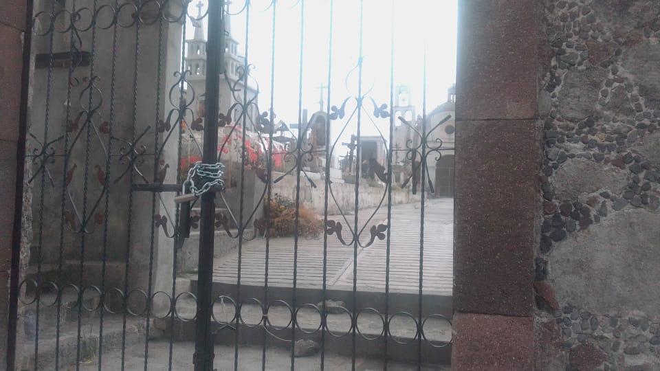 Cerrarán panteones de Ixtenco por contingencia
