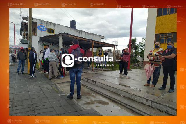 Pobladores de Papalotla piden el cierre definido de una empresa por malos olores