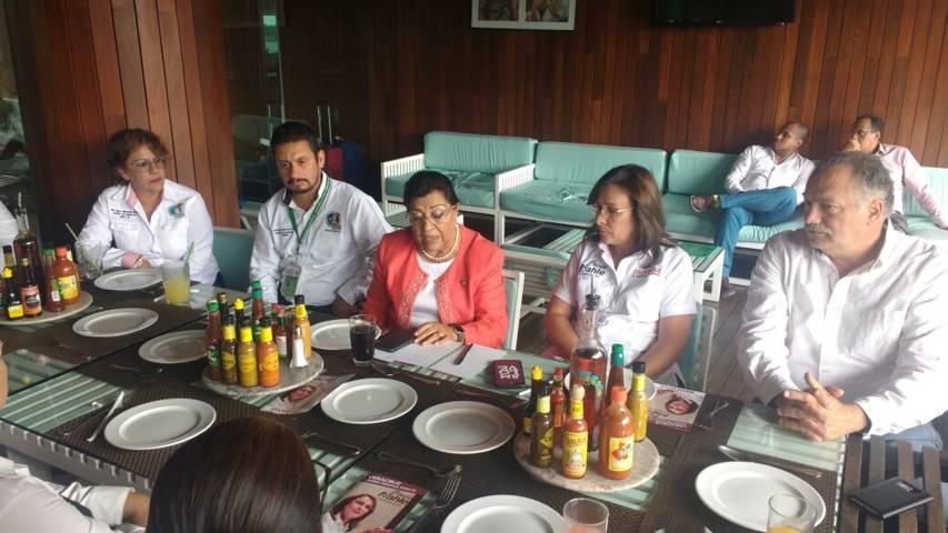 Realizan Nahle y Palafox gira de respaldo a Morena en Veracruz
