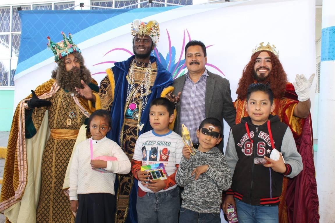 Villarreal Chairez festejo a cientos de niños y niñas en el Día de Reyes