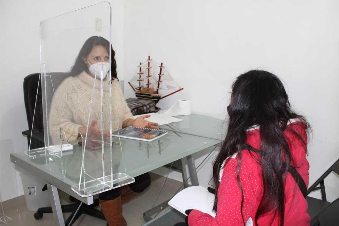 Continúan servicios a personas en casa de atención de la Diputada Michaelle Brito, en Tlaxco