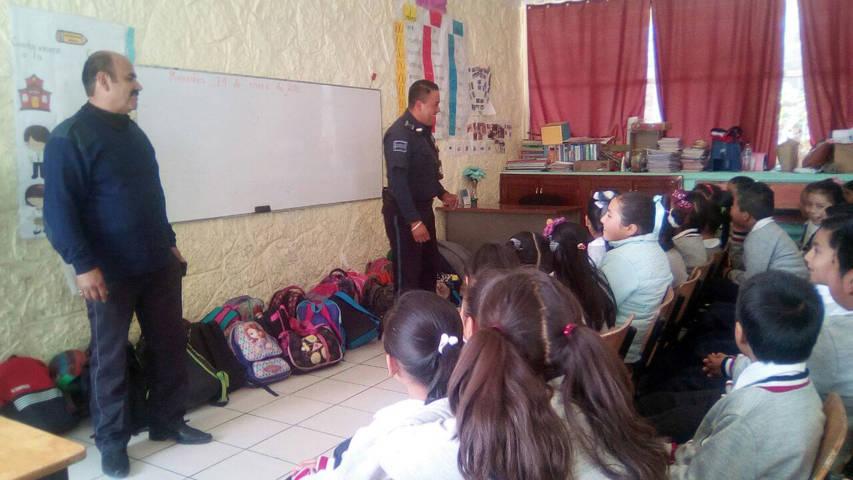 La CES brinda plática de prevención del delito a niños de Texóloc