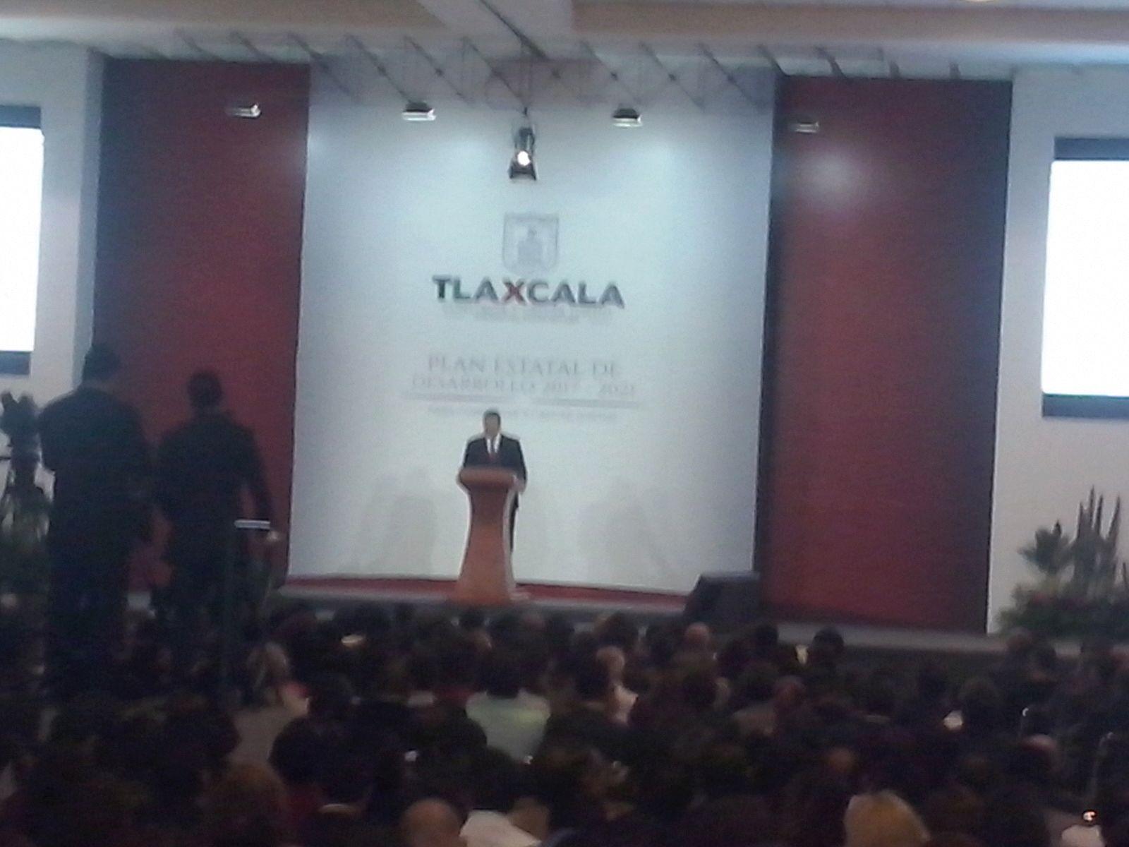Ofrece Marco Mena reconfiguración del gobierno para hacerlo más eficiente
