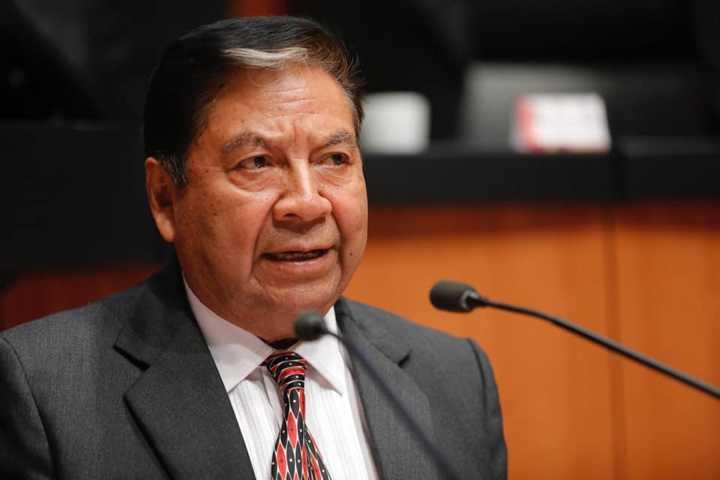 Senador Molina quedaría fuera de la jugada para 2021