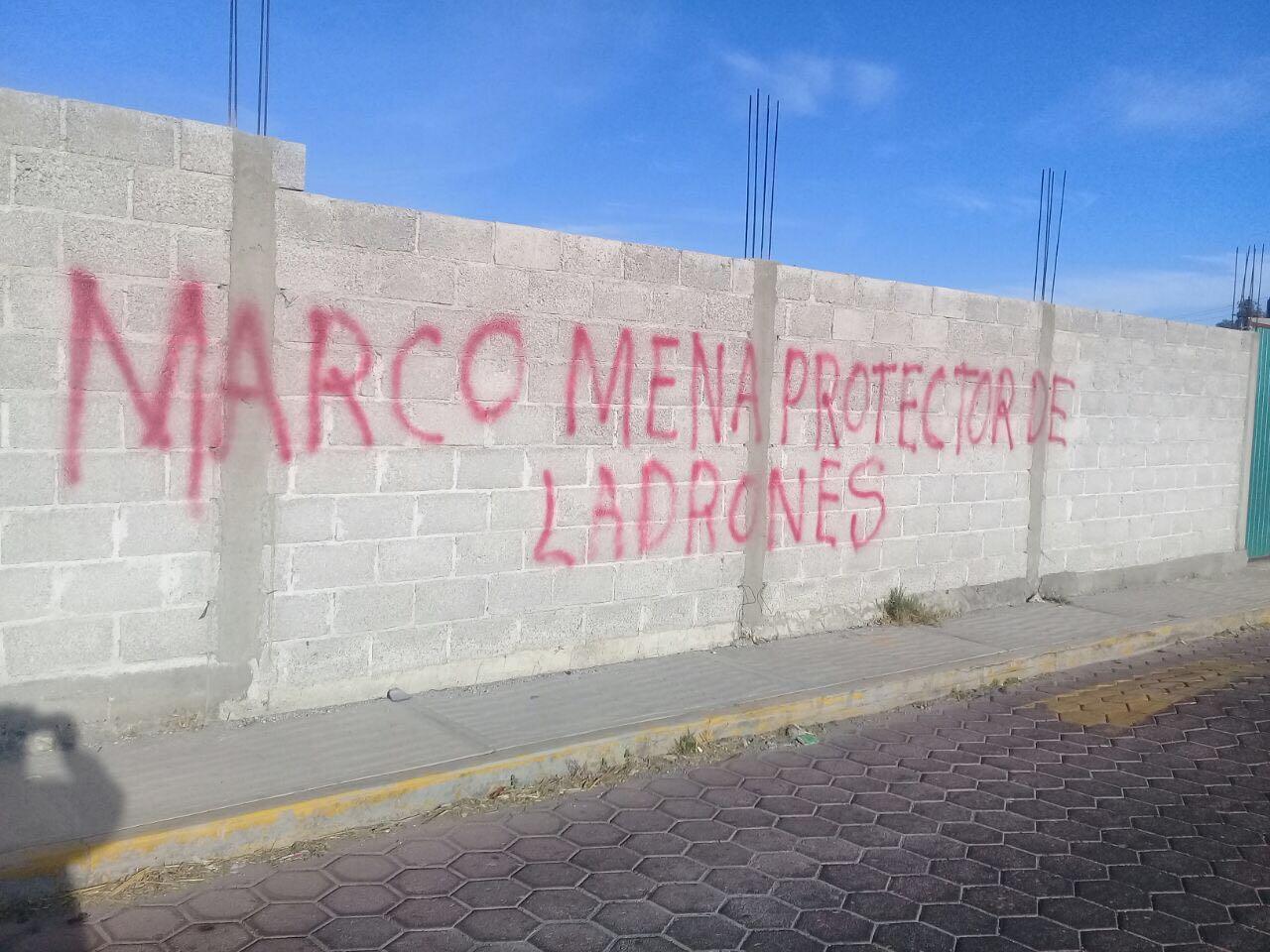 Conflicto en Ixtenco escala e involucra al gobernador