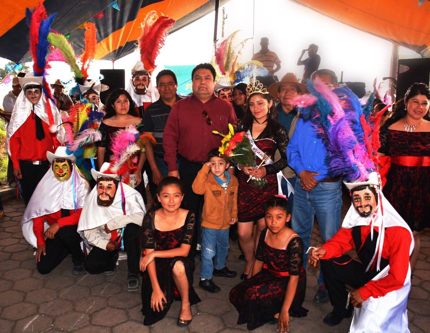 Coronan a nueva Reina del Remate de Carnaval de Tepeticpac 2017
