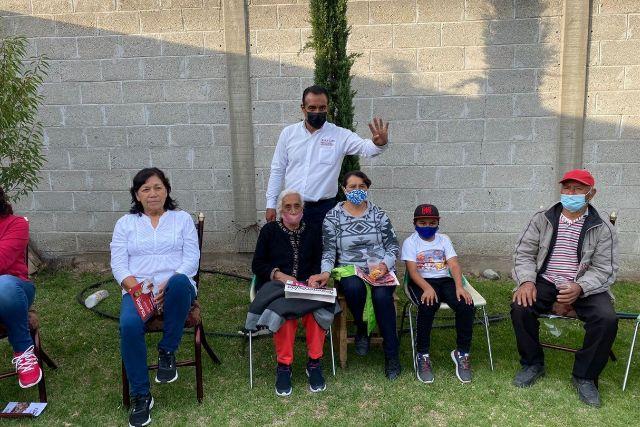 Juan Luis Hernández dará a Tetla, fortalecimiento económico social y familiar