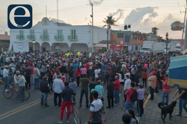 Amagan vecinos de Xicohtzinco con desconocer elecciones