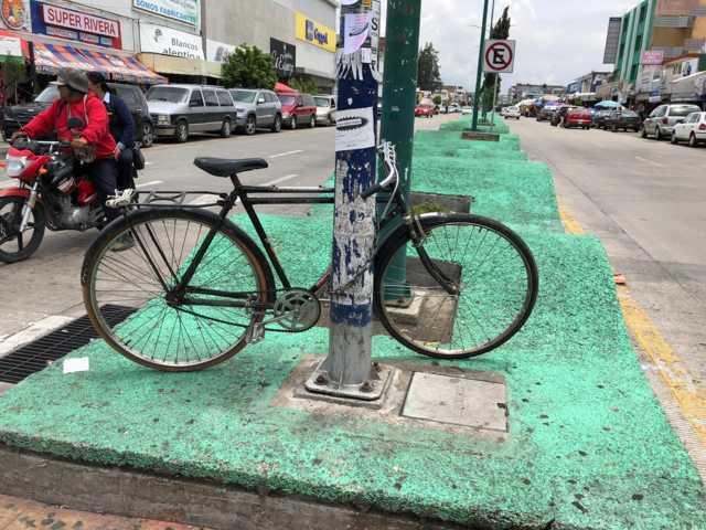 Se colocan estacionamientos para bicicletas en Apizaco