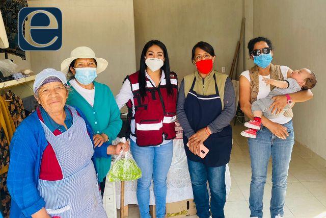 Yazmín del Razo felicita a madres de Tlaltelulco