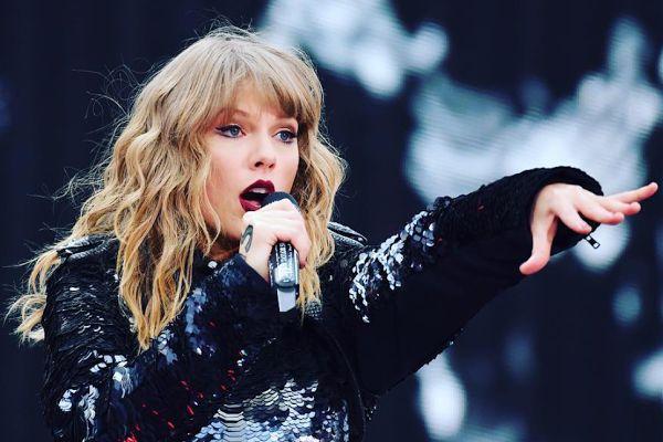Taylor Swift culpa a su ex mánager por perder los derechos de sus canciones