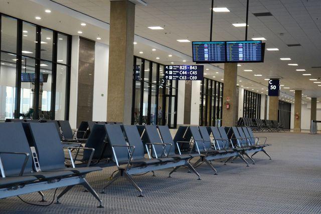El coronavirus provoca crisis en las aerolíneas de Asia y Europa