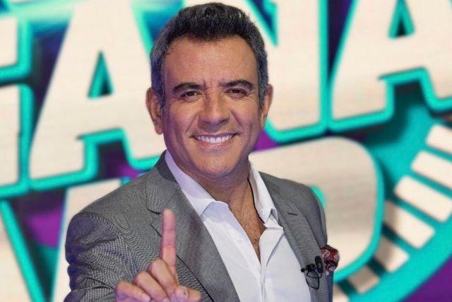 Héctor Sandarti sufre percance al incendiarse su departamento en Cancún
