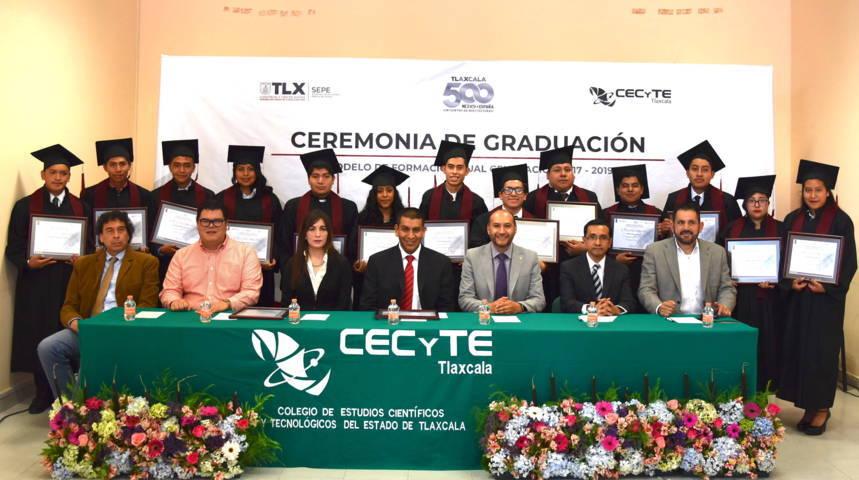 Egresa tercera generación del modelo de formación dual en CECyTE Tlaxcala
