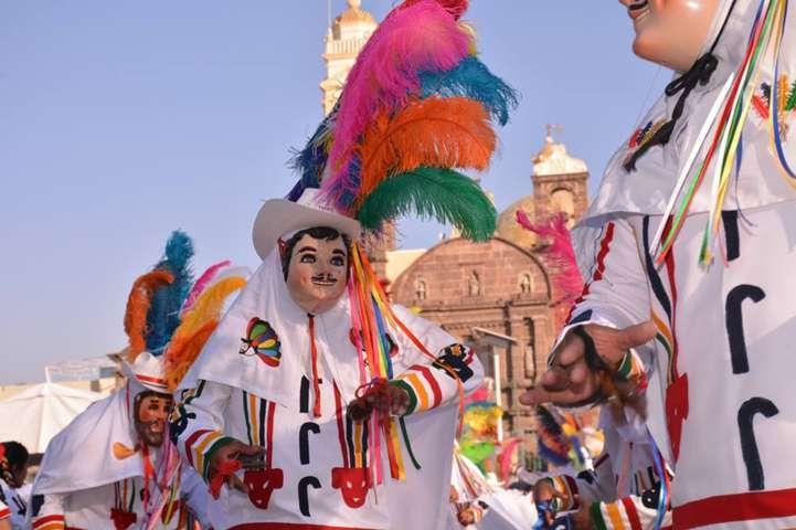 Tradición y algarabía se vivió en el carnaval Zacatelco 2017