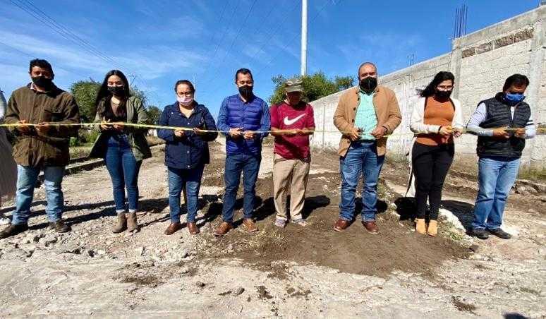 Concluye obra de drenaje y agua potable en calle La Vía en Xicohtzinco