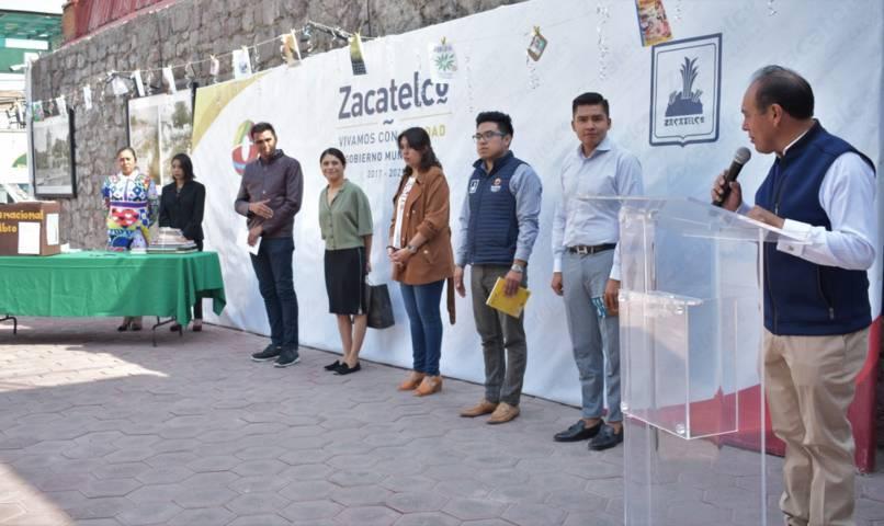 En Zacatelco inician campaña de donación de libros: Kilómetro de Letras