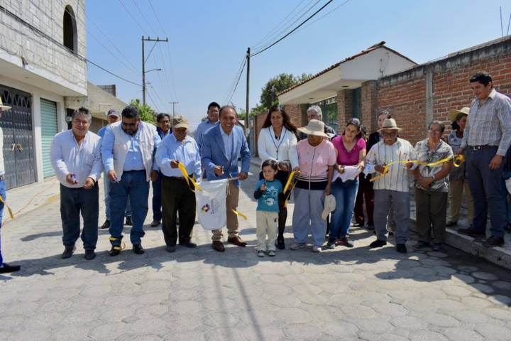 Inaugura Tomás Orea ampliación de drenaje sanitario en Guardia, Zacatelco
