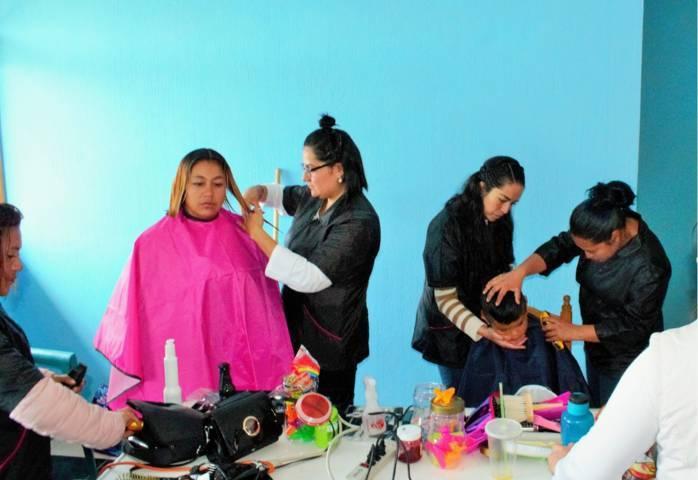 Ayuntamiento acerca jornada gratuita de corte de cabello