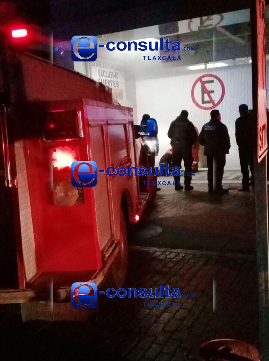 Conato de incendio en Coppel de Apizaco moviliza a emergencias