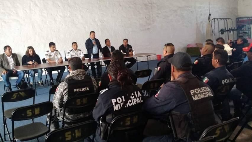Alcalde profesionaliza a la policía municipal sobre Proximidad Social
