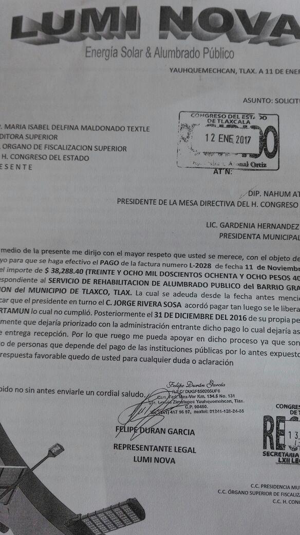Exalcalde de Tlaxco dejó deuda por rehabilitación de alumbrado público