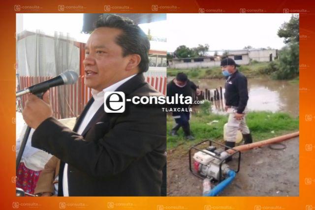 Edil de Xaloztoc gana casi 60 mil pesos; su personal de PC sin herramientas