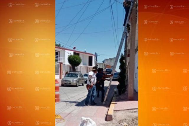Sorprenden a empresa  cableando sin permiso  en Zacatelco